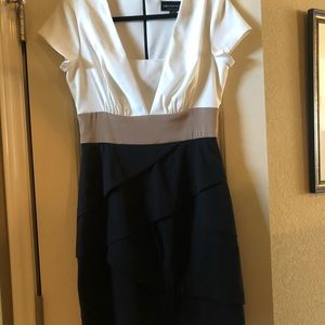 Knee length dress in great condition